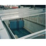telhado de policarbonato abre e fecha
